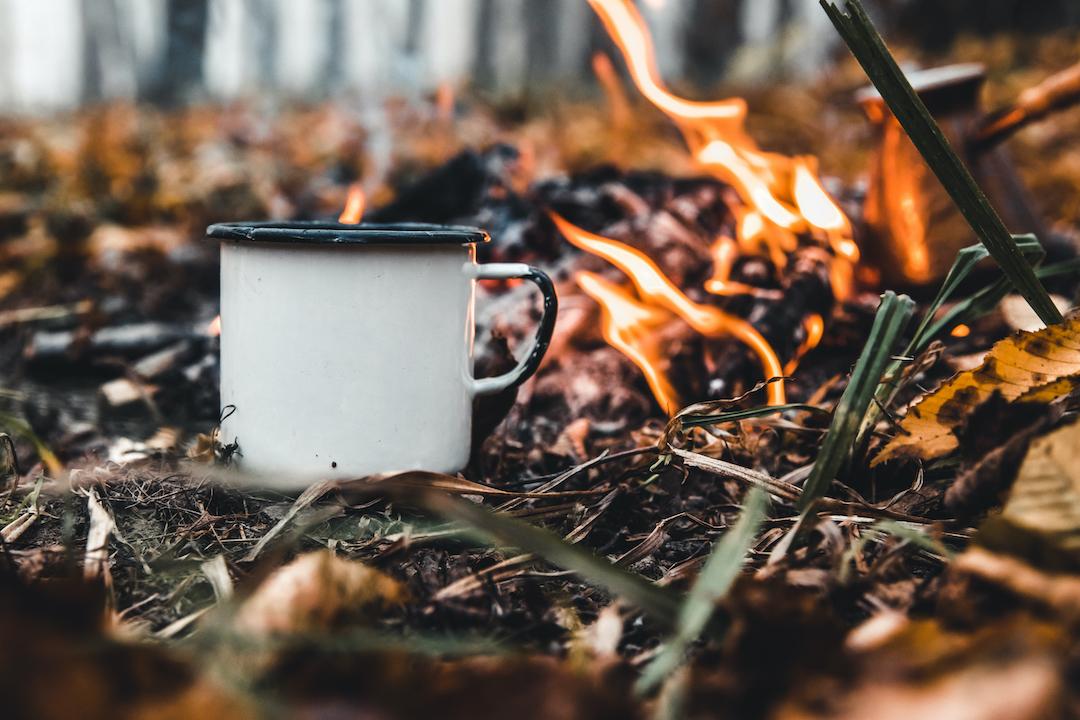 kop kaffe natur bål